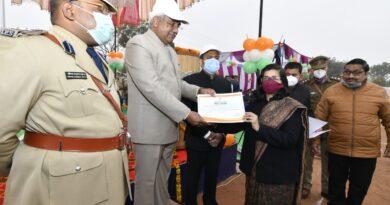 रुड़की नगर निगम आयुक्त नूपुर वर्मा को प्रशासनिक क्षेत्र में उत्कृष्ट एवं महत्वपूर्ण कार्यों के लिए गणतंत्र दिवस पर किया गया सम्मानित