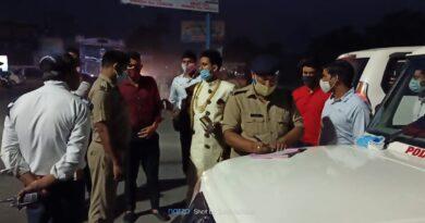 बहादराबाद क्षेत्राधिकारी पुलिस विजेंद्र डोभाल एवं थानाध्यक्ष बहादराबाद संजीव थपलियाल ने  बिना किसी उद्देश्य से घूमने वालों के खिलाफ चलाया चेकिंग अभियान